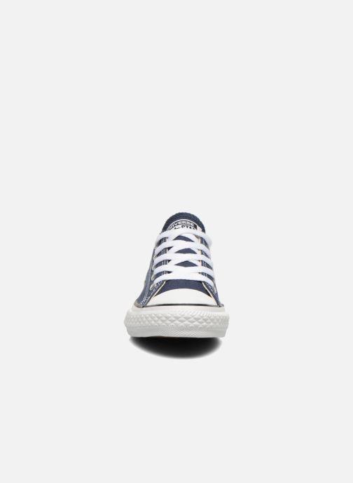 Sneakers Converse Chuck Taylor All Star Core Ox Azzurro modello indossato