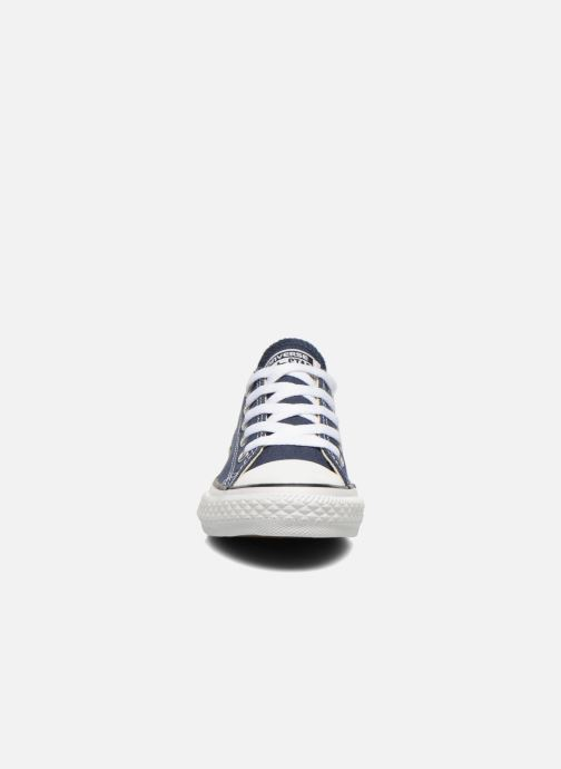 Sneakers Converse Chuck Taylor All Star Core Ox Azzurro modello indossato