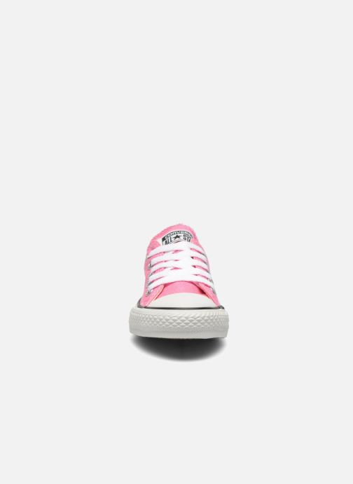 Baskets Converse Chuck Taylor All Star Core Ox Rose vue portées chaussures