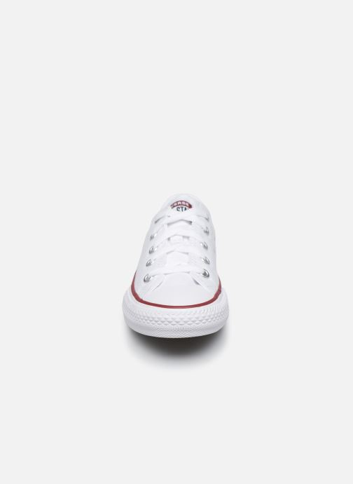 Sneakers Converse Chuck Taylor All Star Core Ox Bianco modello indossato