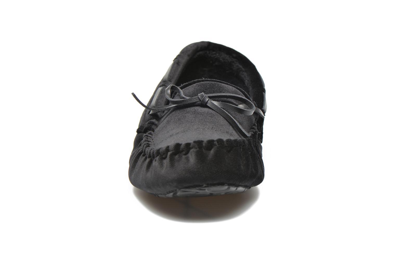 Chaussons Ruby Brown John Noir vue portées chaussures