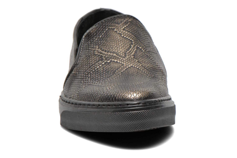 Baskets Bronx Fiama Noir vue portées chaussures