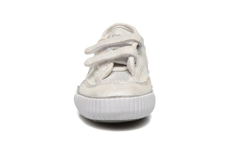 Sneakers Feiyue Fe Lo Glitter Easy Argento modello indossato