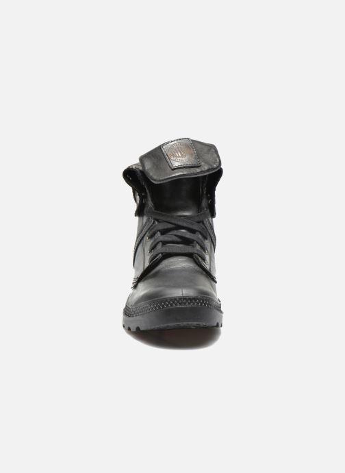 Baskets Palladium Pallabrousse Baggy L2 U W Noir vue portées chaussures