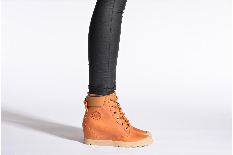 Ankle boots Palladium Esmeraldas CSR Black view from underneath / model view