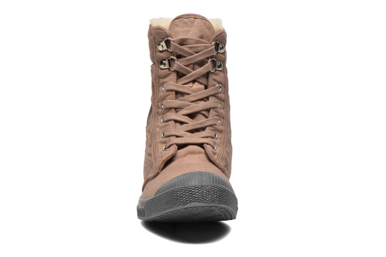 Baskets Bensimon Tennis Ranger Beige vue portées chaussures