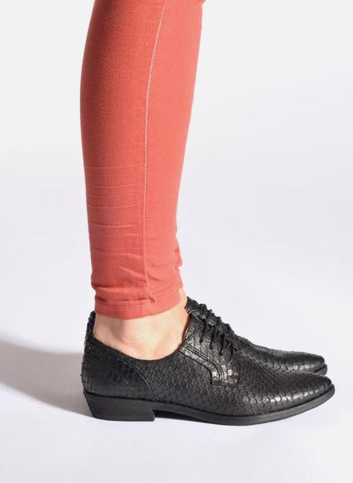 Chaussures à lacets Khrio Dosen Noir vue bas / vue portée sac