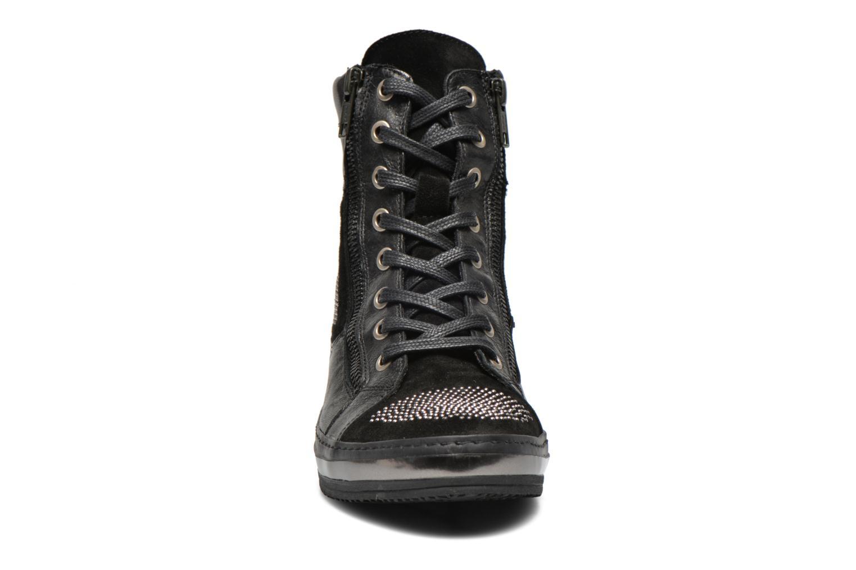 Baskets Khrio Tanobe Noir vue portées chaussures