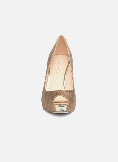 Zapatos de tacón Menbur Bailen Marrón vista del modelo