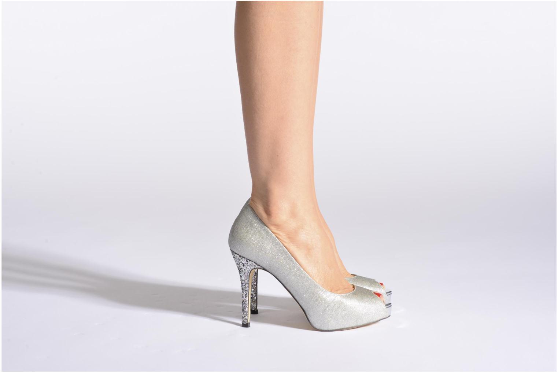 High heels Menbur Bailen Silver view from underneath / model view