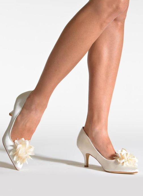 High heels Menbur Yves White view from underneath / model view