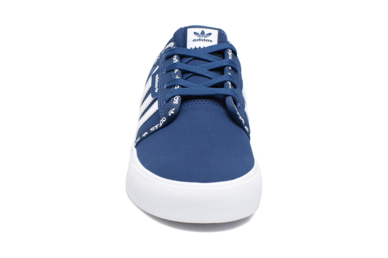 Baskets Adidas Originals Seeley J Bleu vue portées chaussures