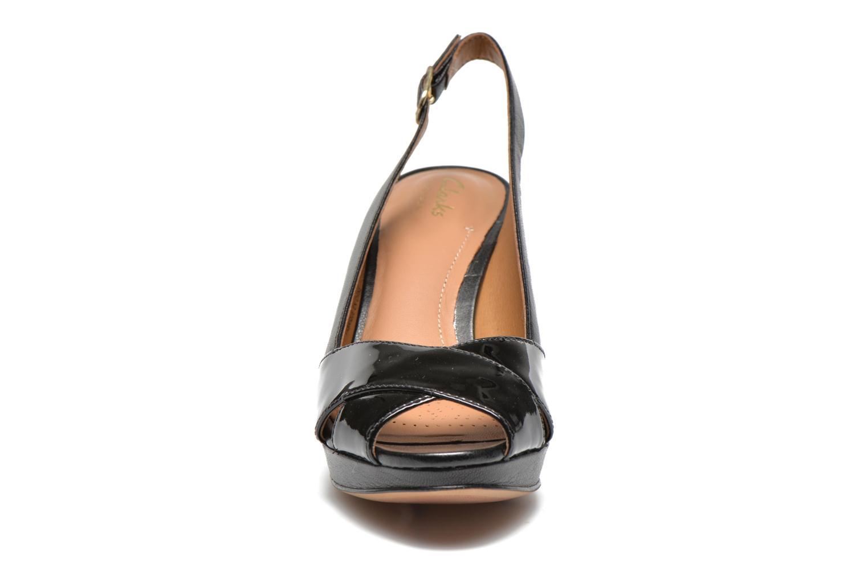 Sandals Clarks Delsie Kala Black model view