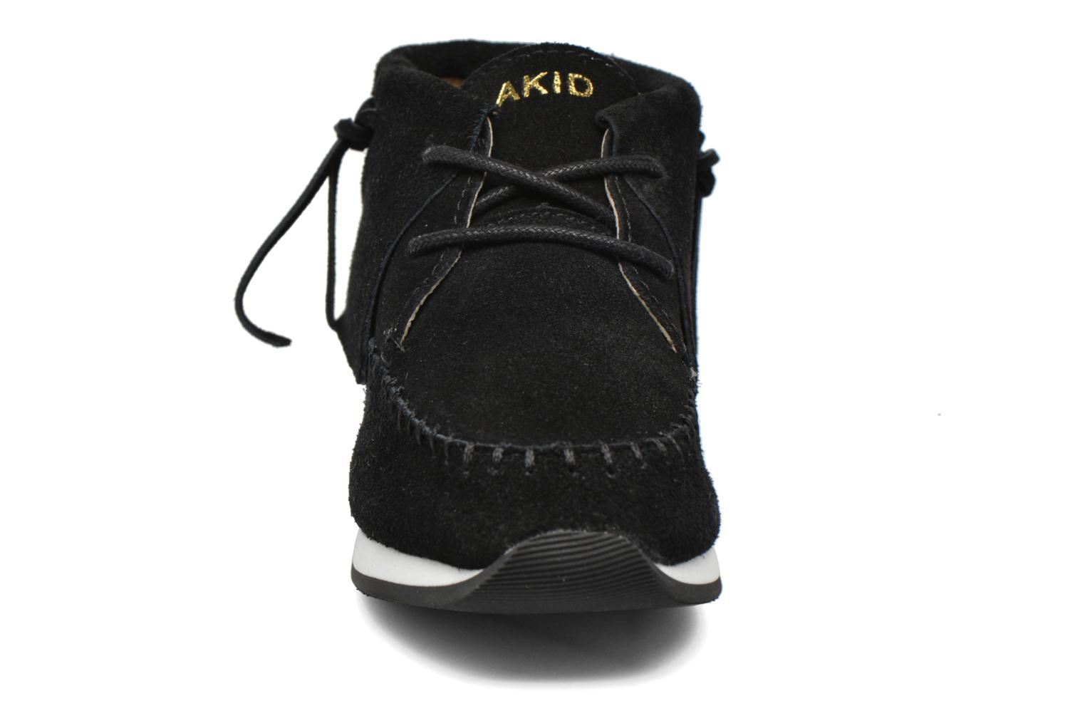 Trainers Akid Stone Black model view