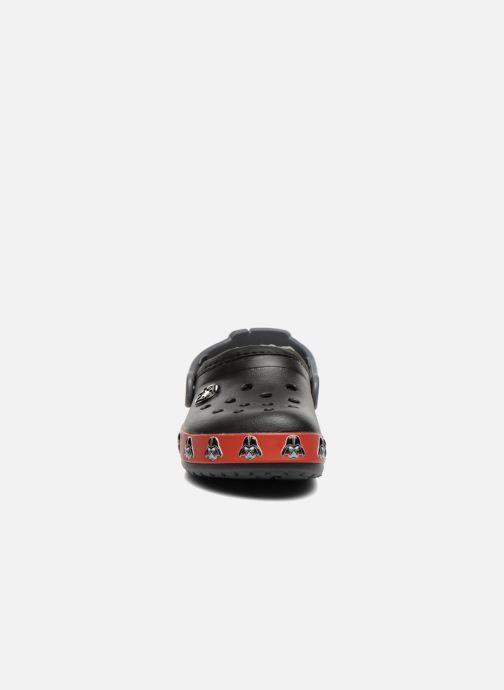 Sandali e scarpe aperte Crocs CB Darth Vader Lined Clog Nero modello indossato