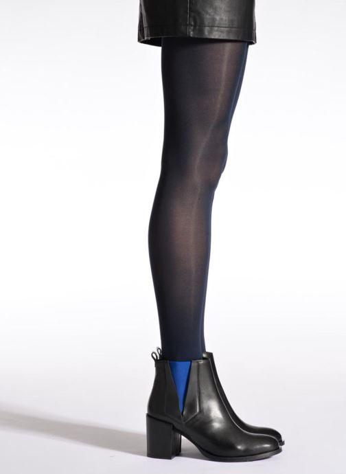 Chaussettes et collants Sarenza Wear Collant soft touch Bleu vue portées chaussures