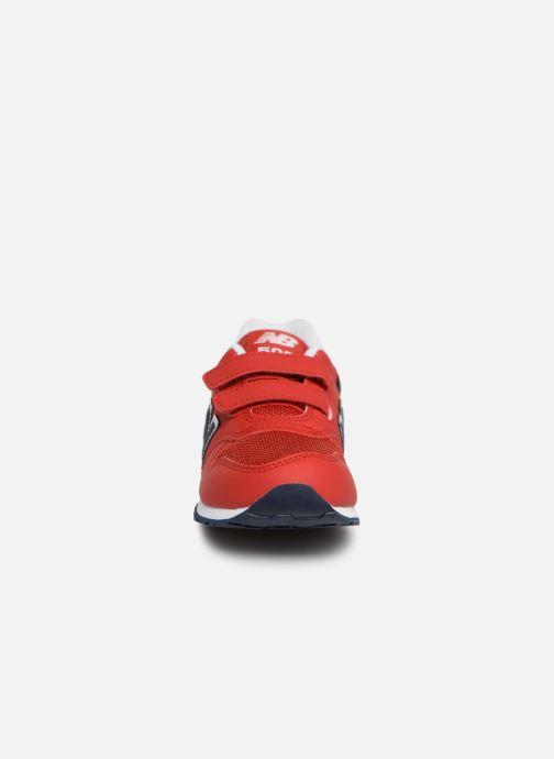 Baskets New Balance KV500 Rouge vue portées chaussures