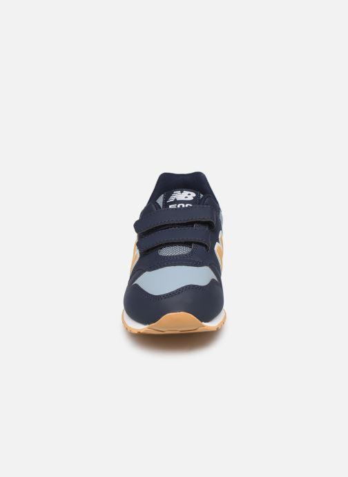 Sneakers New Balance KV500 Azzurro modello indossato