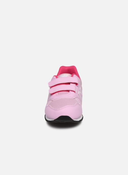 Sneakers New Balance KV500 Rosa modello indossato