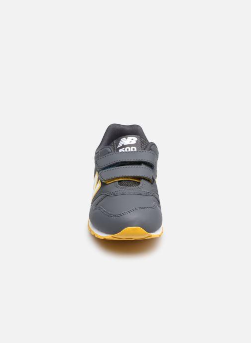 Sneakers New Balance KV500 Grigio modello indossato