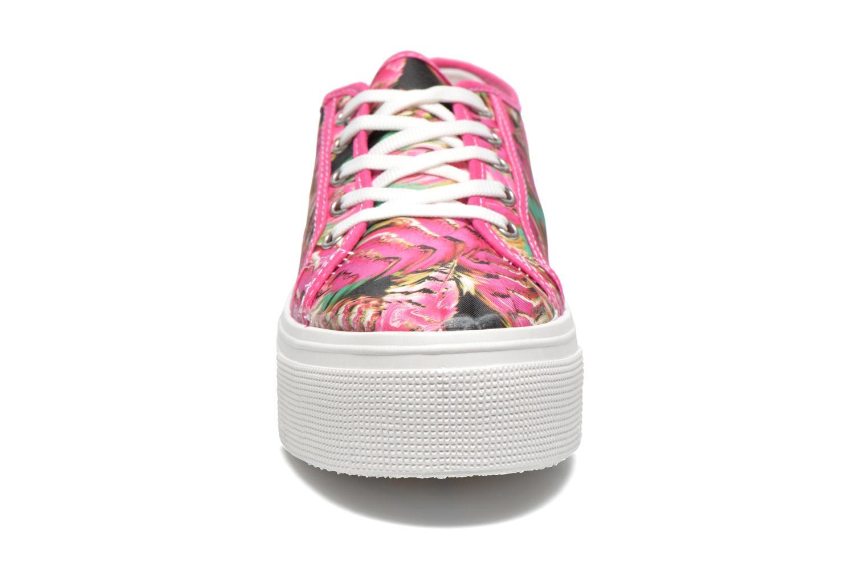 Sneakers Les Tropéziennes par M Belarbi Samba Rosa modello indossato