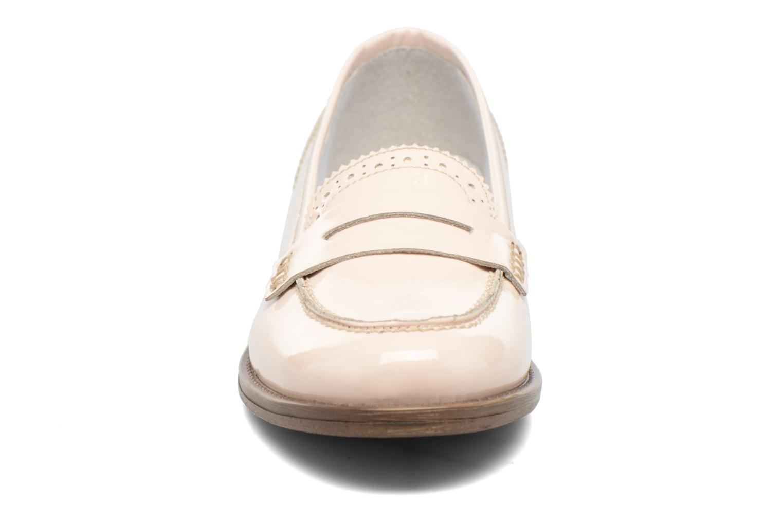 Loafers Georgia Rose Ananda Beige se skoene på