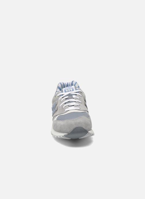 Sneakers New Balance WL999 Grigio modello indossato