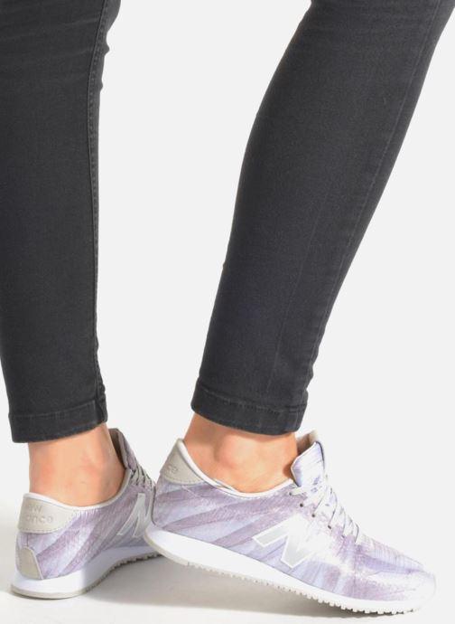 Sneaker New Balance WL420 rosa ansicht von unten / tasche getragen