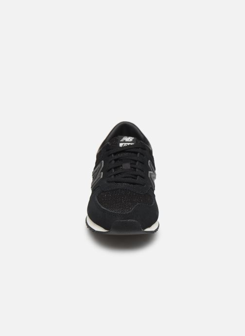 Baskets New Balance WL420 Noir vue portées chaussures