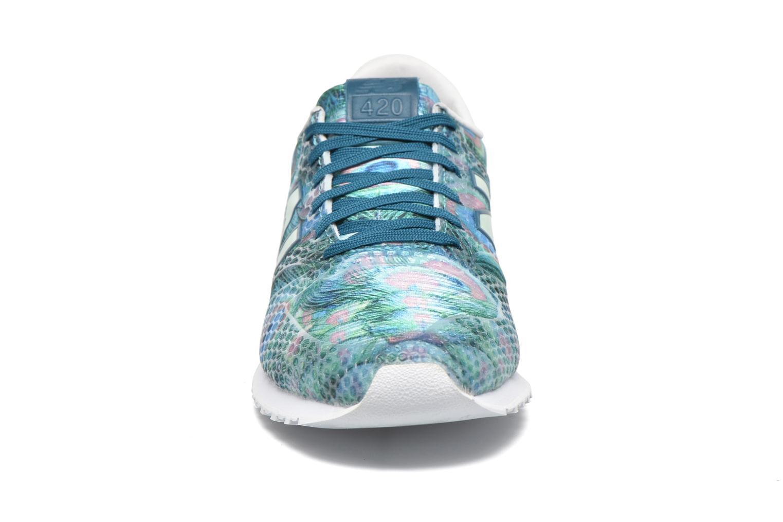 Baskets New Balance WL420 Vert vue portées chaussures