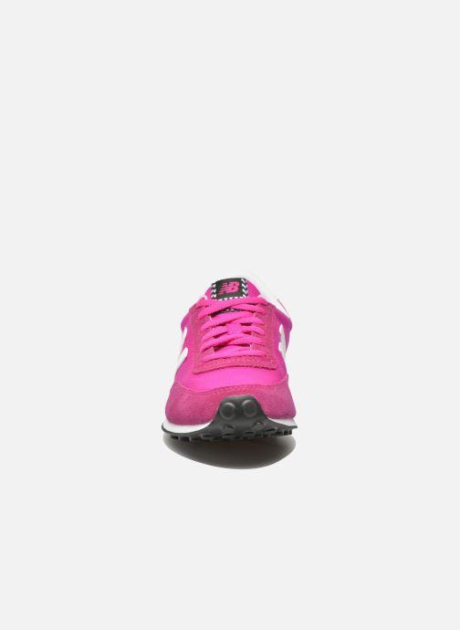 Baskets New Balance WL410 Rose vue portées chaussures