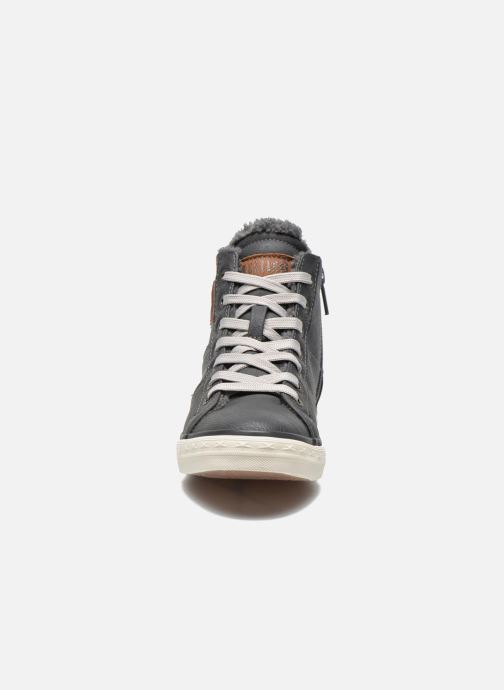 Sneaker Mustang shoes Dana grau schuhe getragen
