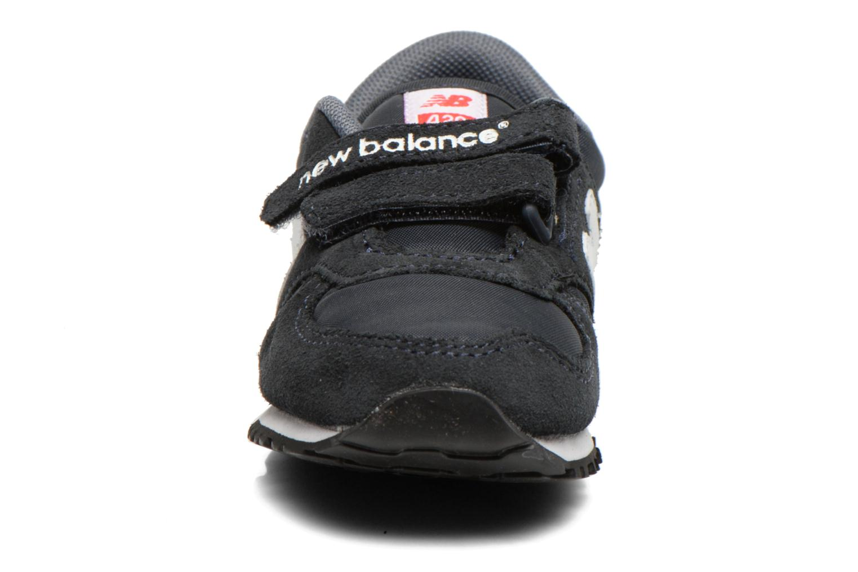 Baskets New Balance KE420 I Bleu vue portées chaussures