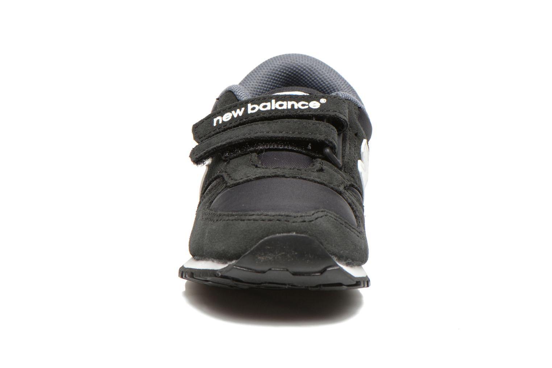 Baskets New Balance KE420 I Noir vue portées chaussures