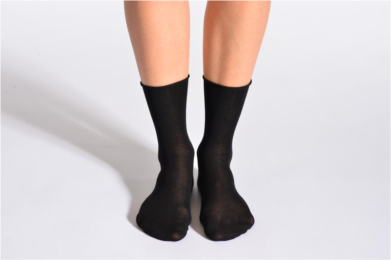 Socken & Strumpfhosen BLEUFORÊT Chaussettes fleur de peau schwarz detaillierte ansicht/modell