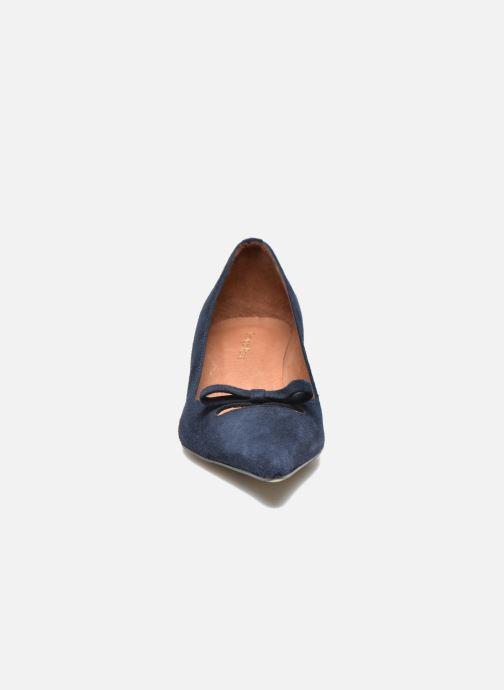 Décolleté Georgia Rose Ribote Azzurro modello indossato