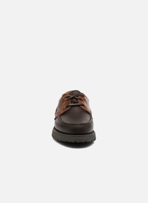 Scarpe con lacci Aigle Tarmac Marrone modello indossato