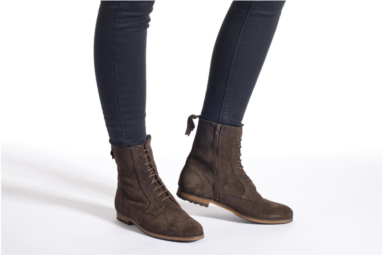 Bottines et boots Aigle Melven Marron vue bas / vue portée sac