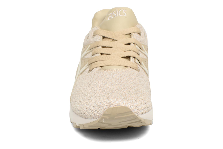 Baskets Asics Gel-Kayano Trainer Evo W Beige vue portées chaussures