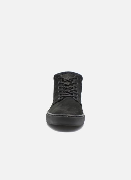 Sneakers Timberland Adventure 2.0 Cupsole Chukka Nero modello indossato