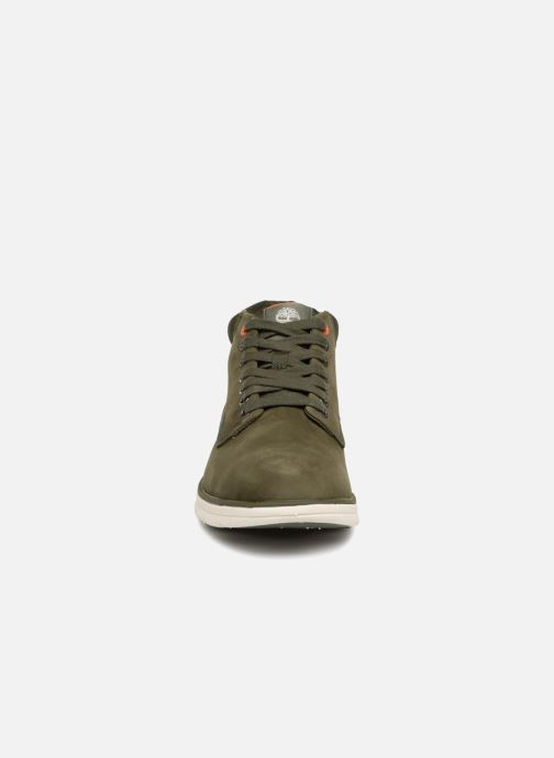 Sneakers Timberland Bradstreet Chukka Leather Nero modello indossato