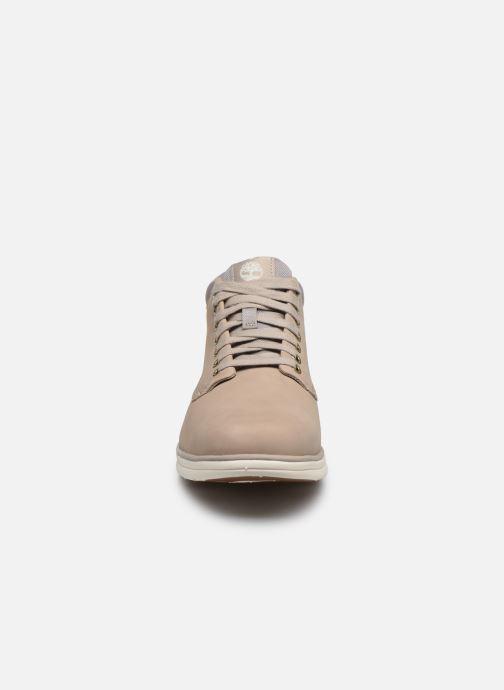 Baskets Timberland Bradstreet Chukka Leather Beige vue portées chaussures