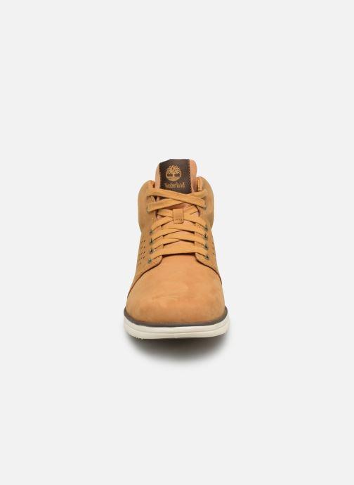 Sneakers Timberland Bradstreet Half Cab Beige modello indossato