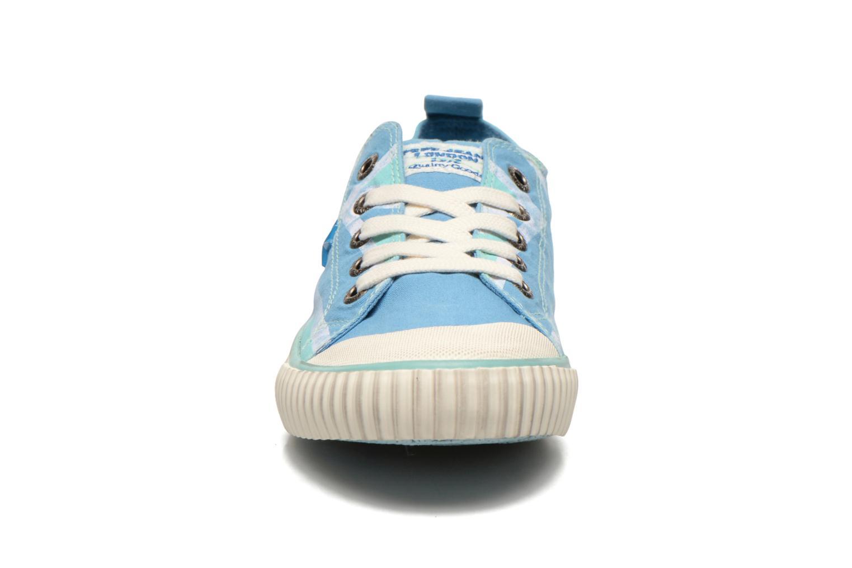 Baskets Pepe jeans Industry Flag Low Cut 2 Bleu vue portées chaussures