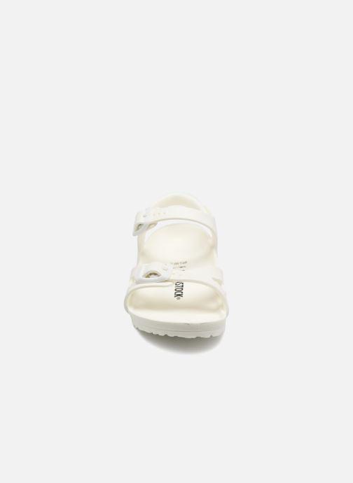 Sandali e scarpe aperte Birkenstock Rio EVA Bianco modello indossato