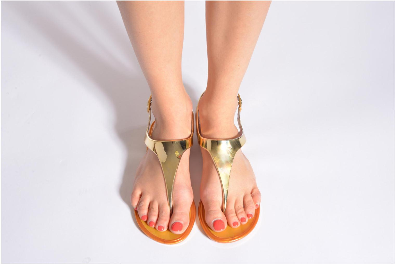 Sandals Xti Okinawa-26987 Bronze and Gold view from underneath / model view