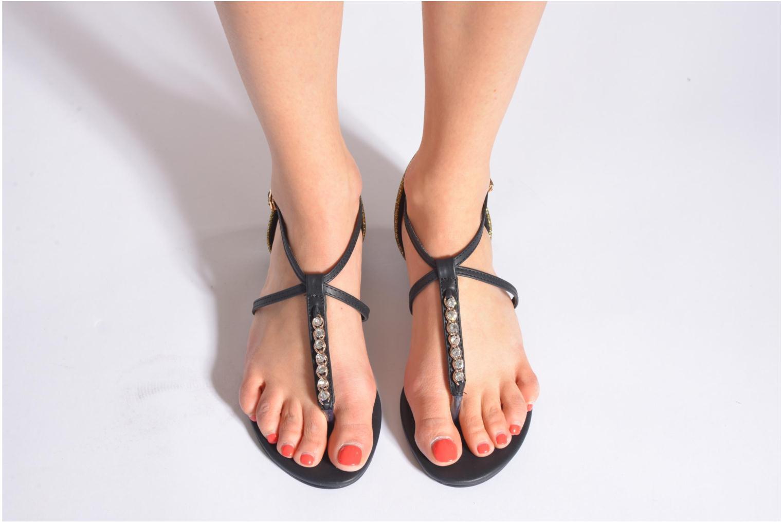 Sandales et nu-pieds Xti Lahira-29506 Noir vue bas / vue portée sac