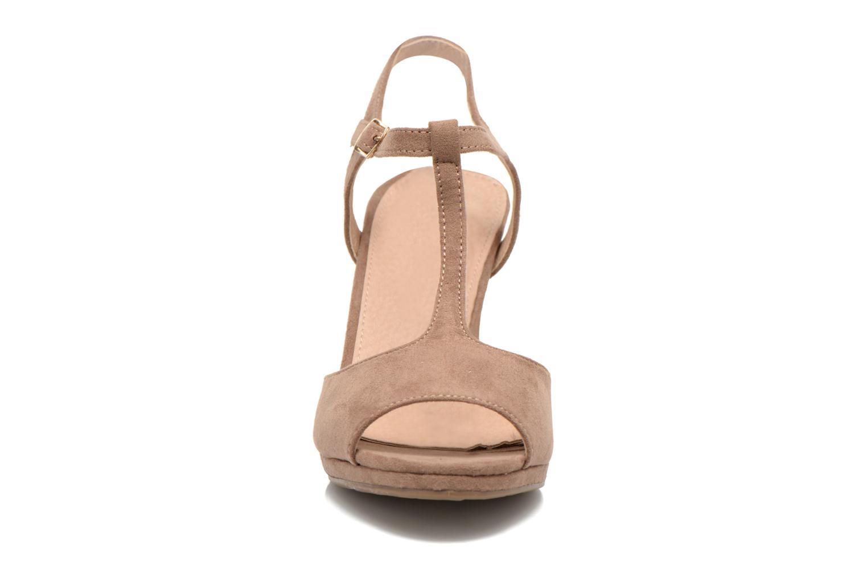 Sandales et nu-pieds Refresh Wanita Marron vue portées chaussures