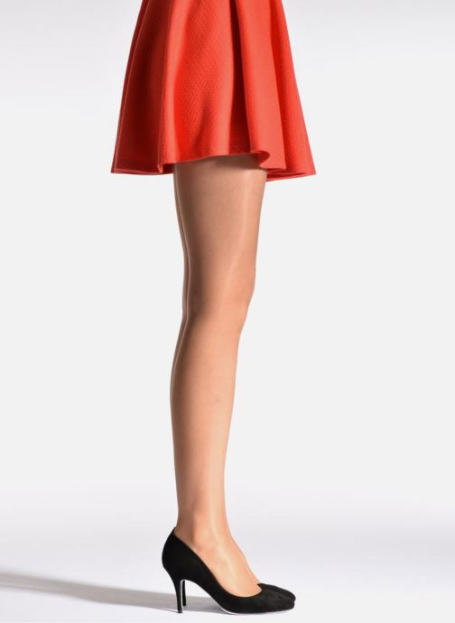 Chaussettes et collants Dim Collant SUBLIM VOILE BRILLANT Beige vue portées chaussures
