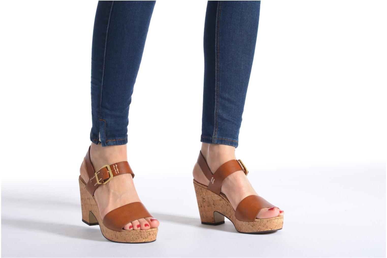 Sandales et nu-pieds S.Oliver Cabuta Marron vue bas / vue portée sac
